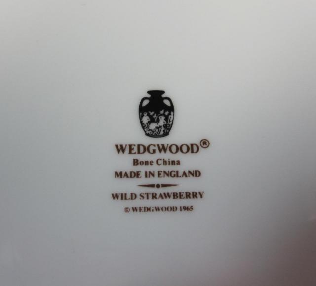 ウェッジウッドWedgwood ワイルドストロベリー  24cmオーバルトレー 【ウェッジウッド廃盤品/個数限定】